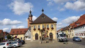 Marktplatz in Eibelstadt im Landkreis Würzburg